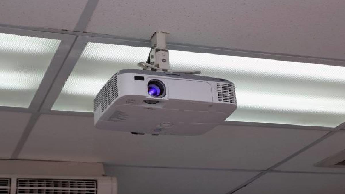 Best Projectors – Why a Projector, Recommendation, and More