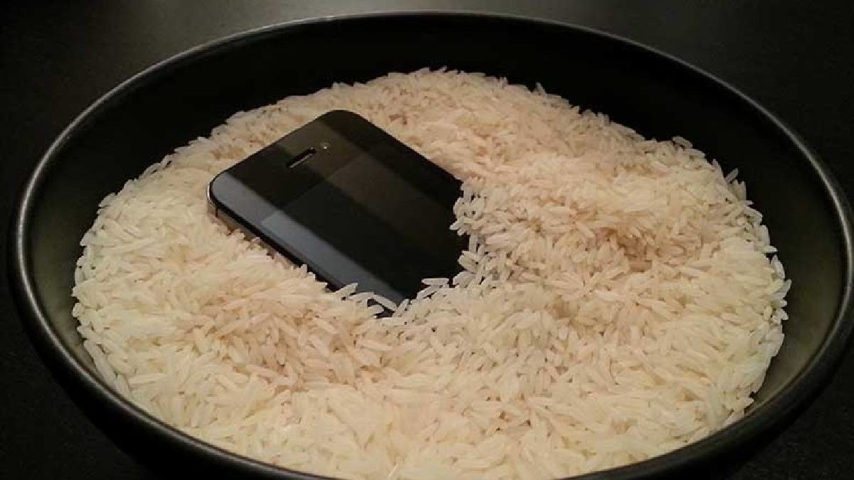 How Long to Leave Phone in Rice? – Recommendation, and More